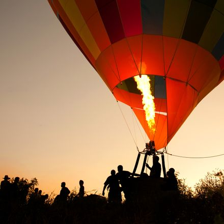 hot air balloon shutterstock 70734517