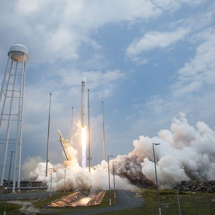 antares orb 2 launch from wallops (201407130015 hq)