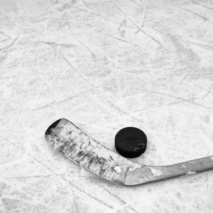 hockey shutterstock 576241228