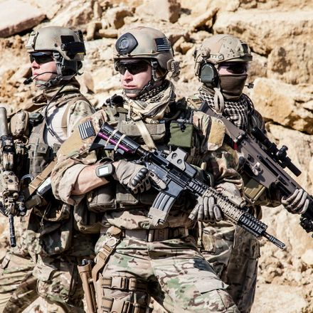 shutterstock 328196642 Afghanistan soldiers