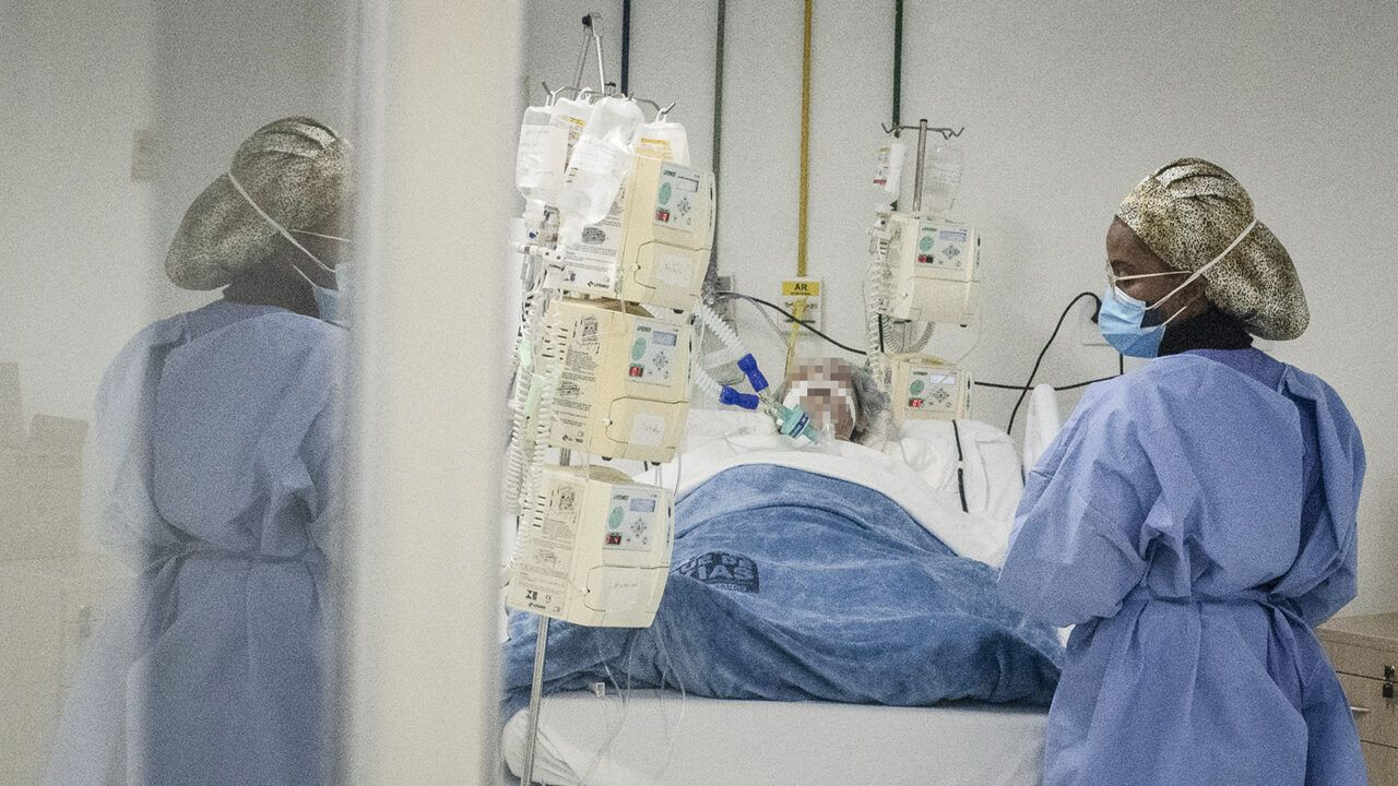 The 'Silent' Oxygen Shortage in COVID Patients That's Spooking Doctors